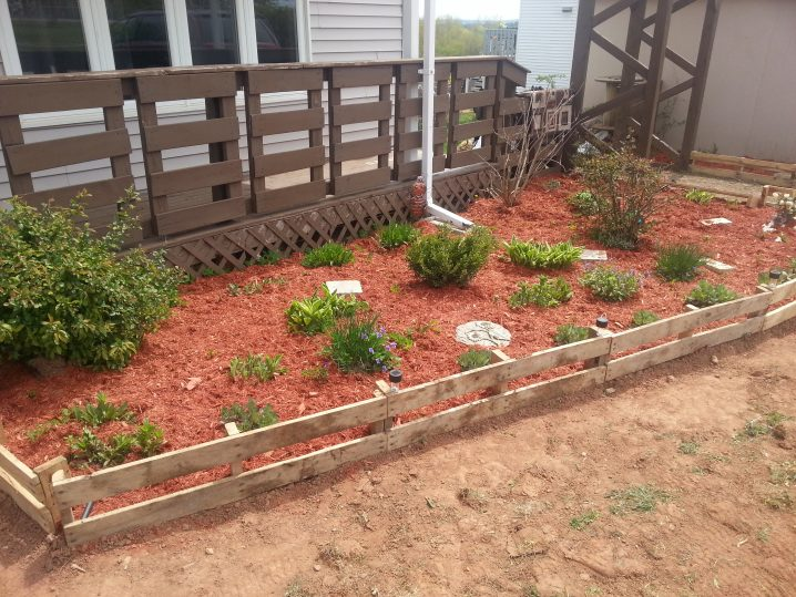 17 simple and cheap garden edging ideas for your garden (8) JAEORUR
