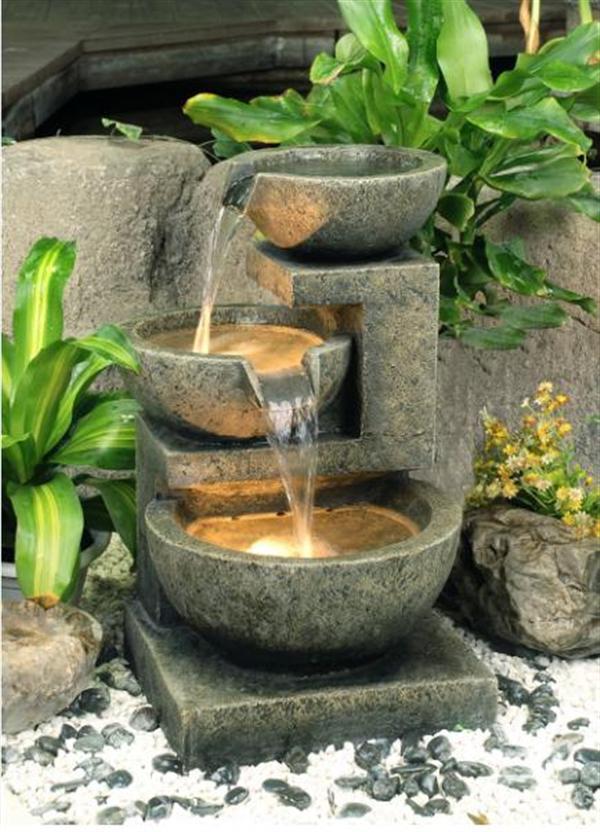 20 wonderful garden fountains IZPVKST