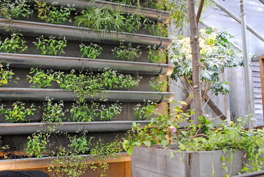 26 creative ways to plant a vertical garden - how to make a vertical garden ATNVWHX