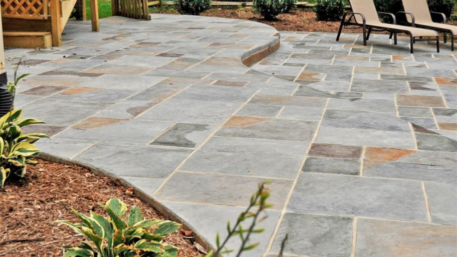 a stamped concrete patio DBTVUMO