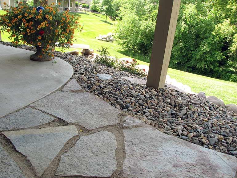 benefits of flagstone pavers: PXPNYOP