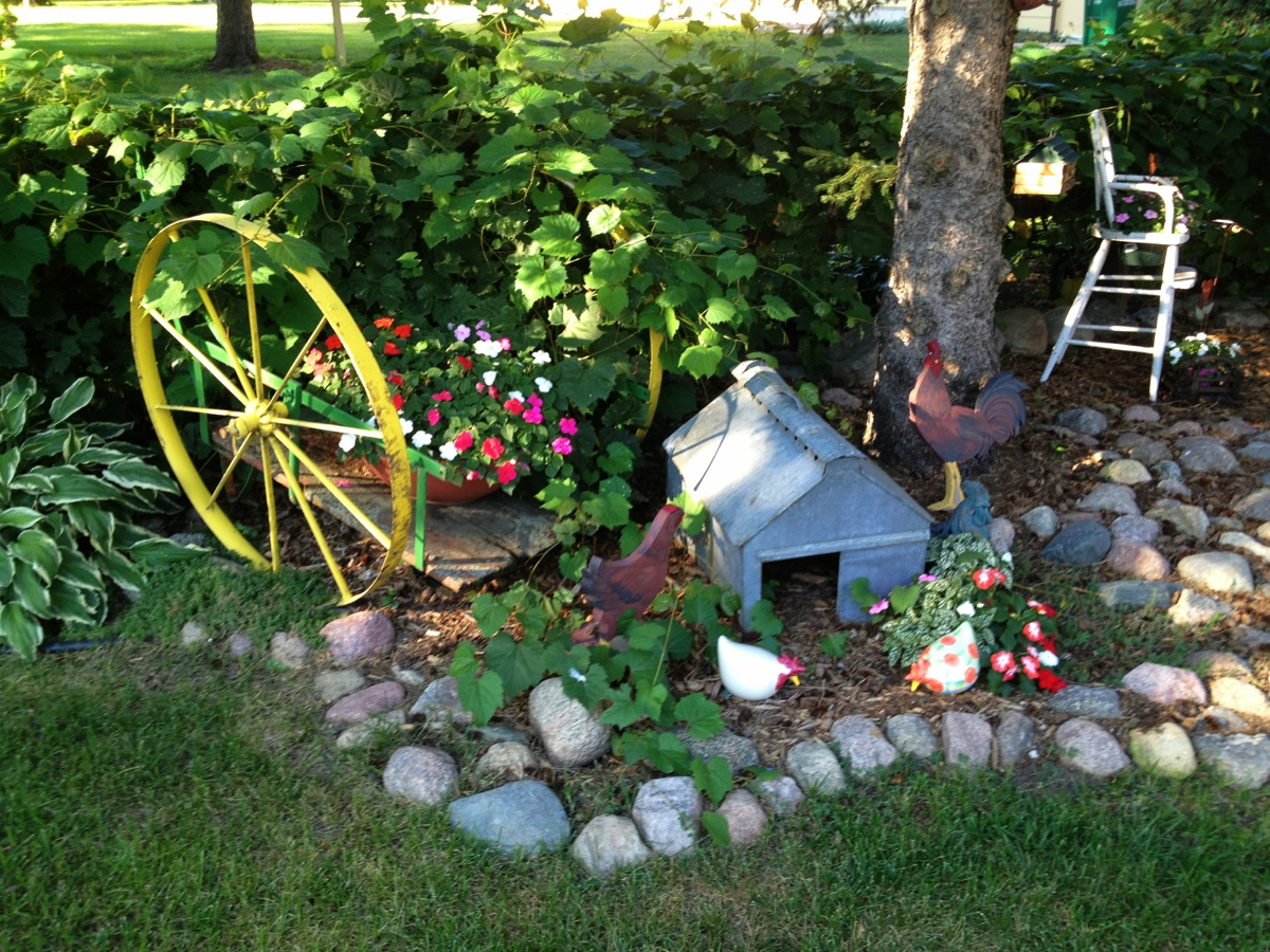 PERSONALIZE YOUR GARDEN WITH GARDEN ART CREATED BY YOU