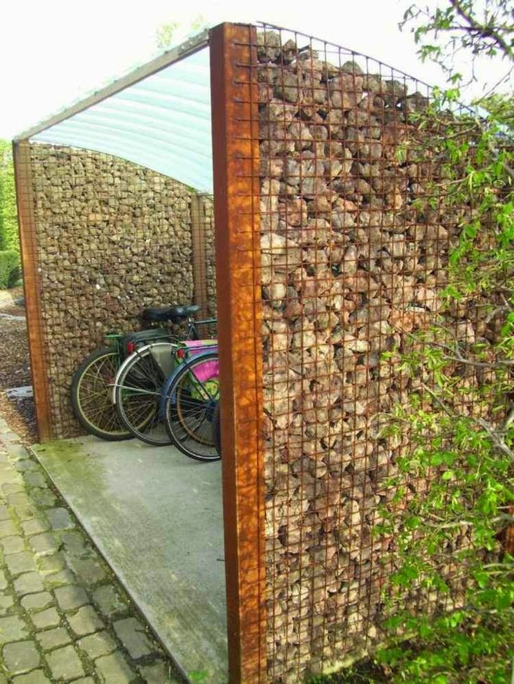 Pros of garden fence panels