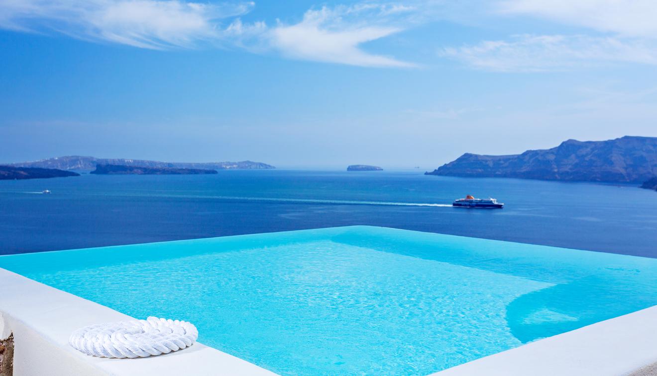 infinity pool suite | canaves oia santorini SUVLBJA
