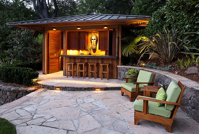 Things to keep in mind before establishing an outdoor bar
