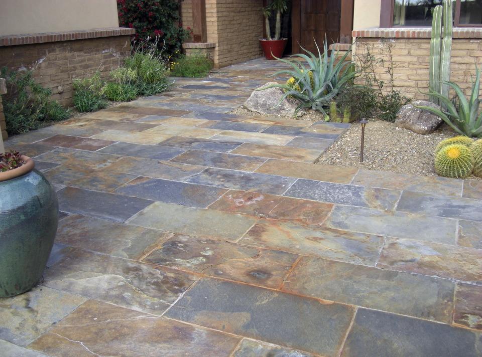 Suelo de piedra para exterior best outdoor tiles decoracion de suelos de exterior con pizzarra - Suelos de piedra para exterior ...