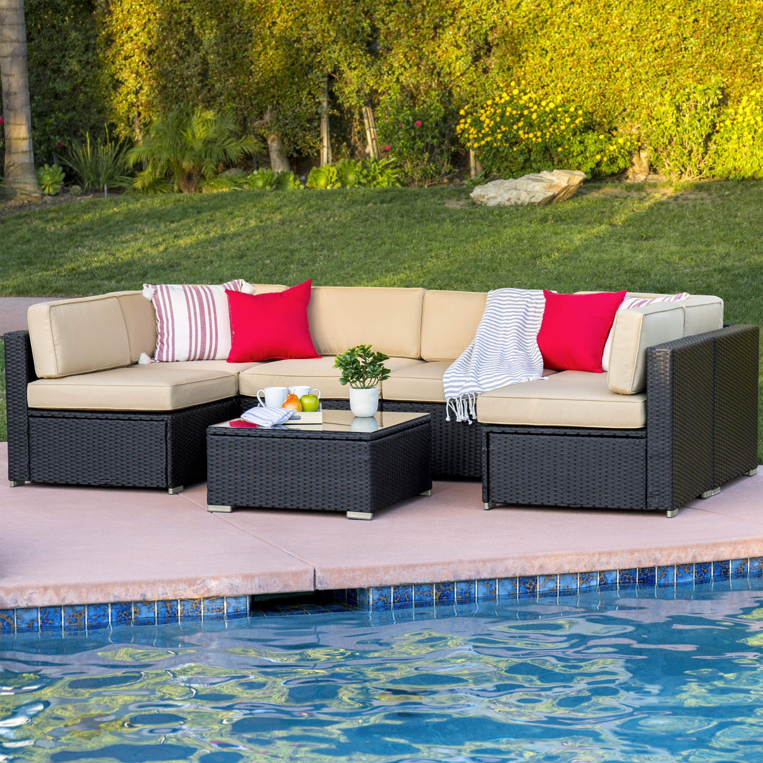 Common uses of outdoor wicker furniture