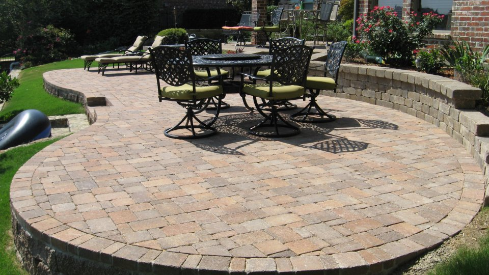paver patio circular-raised-patio-pavers VODAQKW