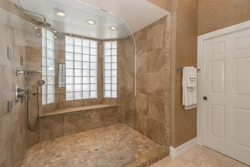 25 luxury walk in showers-9 OHWKUJW