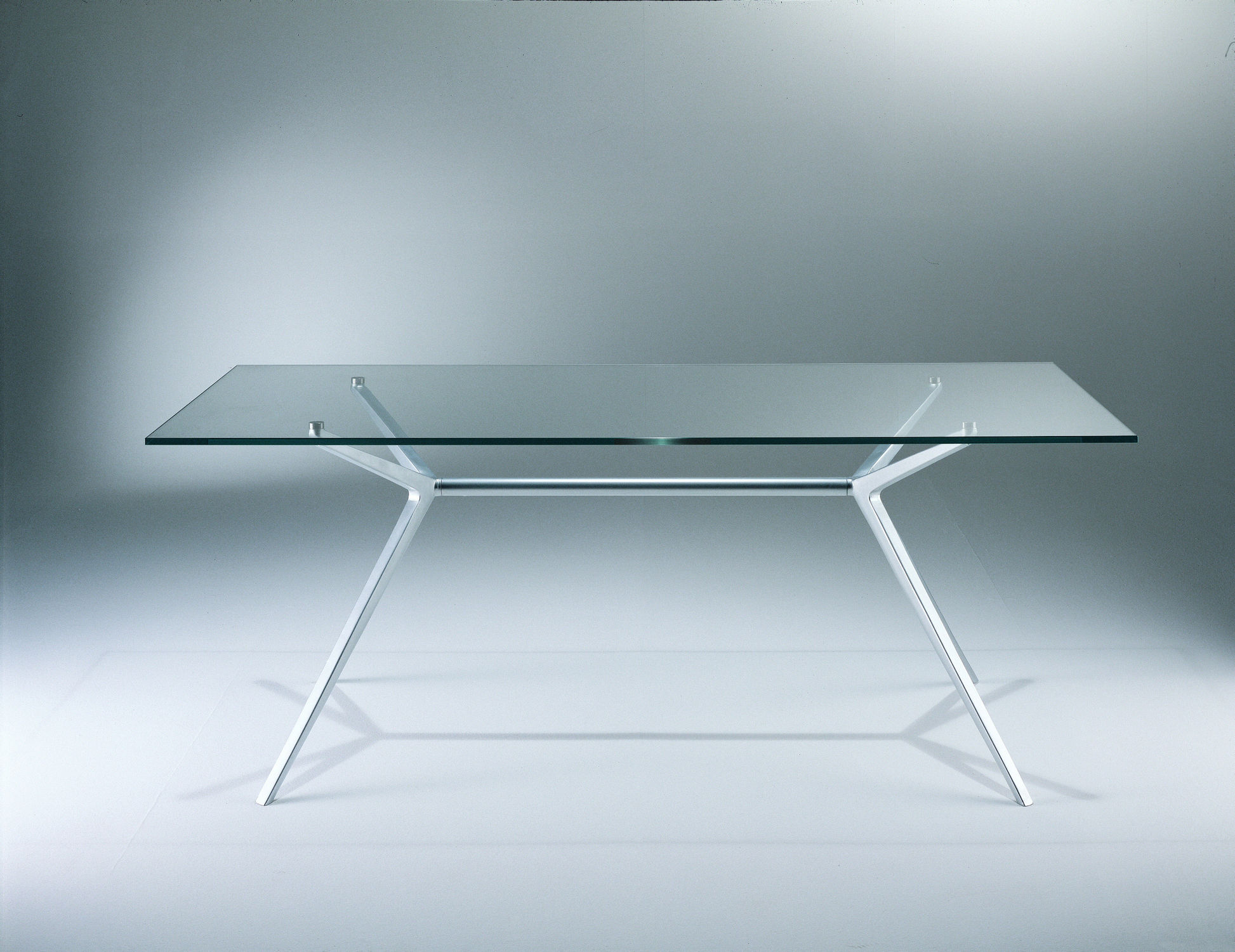 How can a glass table improve your home?