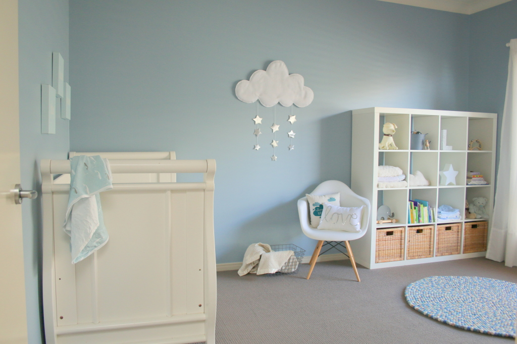 baby nursery blue and white nursery with cloud wall hanging - project nursery YPLEWLP