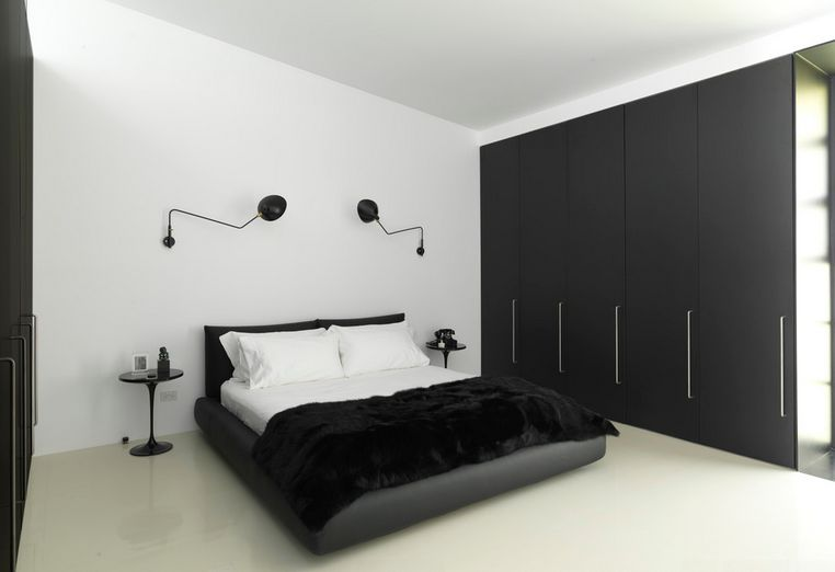 black and white bedroom home decorating trends - homedit ZIDCMUJ