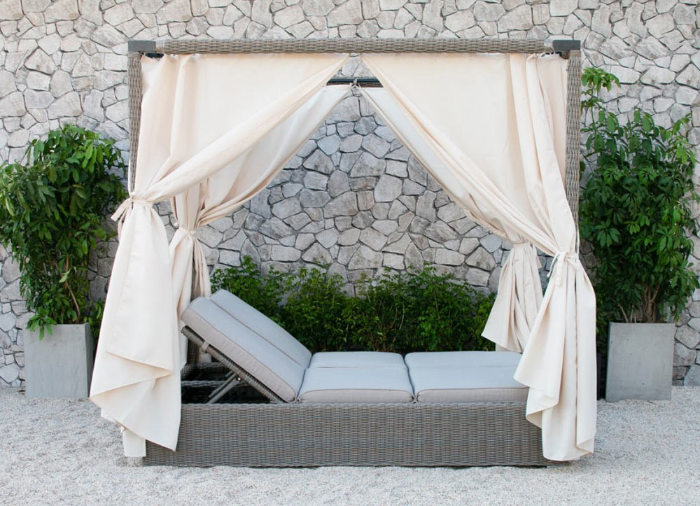 cynthia outdoor daybed with canopy DRNBXYL