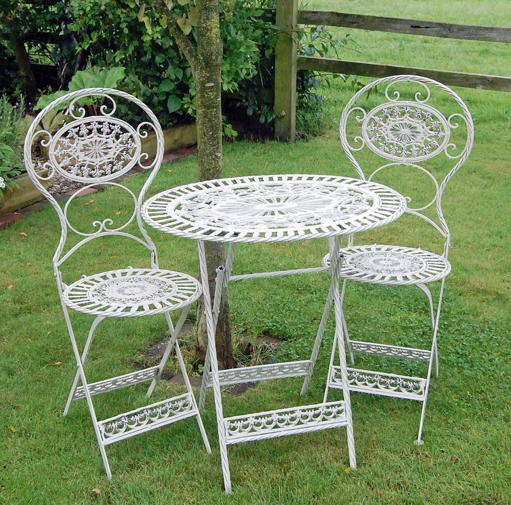 garden table and chairs to choose from some inspiring tips | mobiion.com NAQOEUD