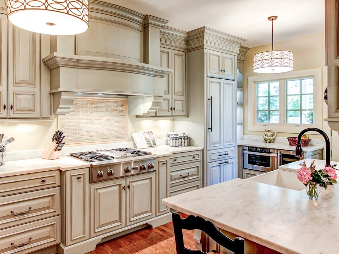 painting kitchen cabinets best way to paint kitchen cabinets: hgtv pictures u0026 ideas | hgtv MITOYDK