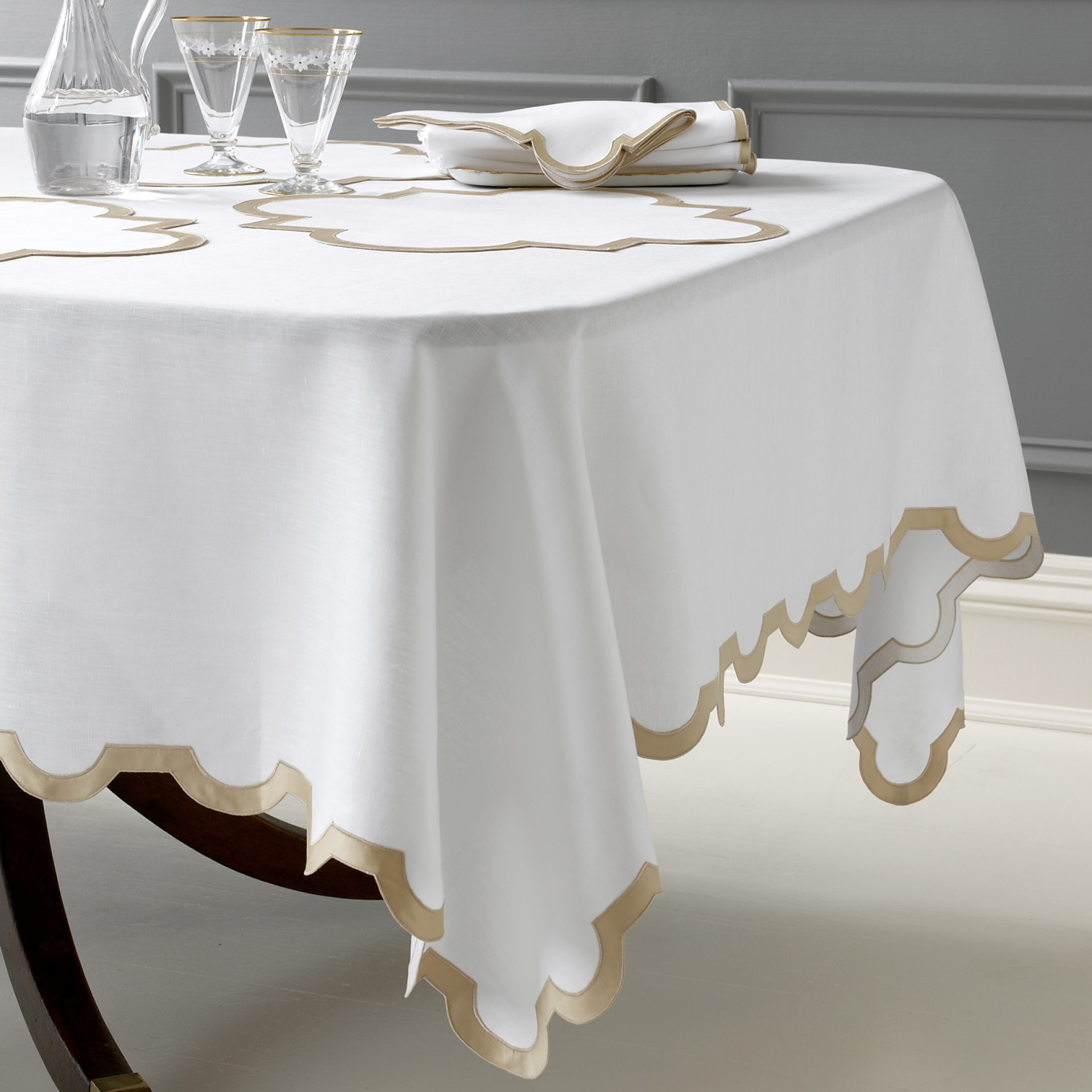 table linens ... matouk - mirasol napkins, placemats, tablecloths ULHNDAP