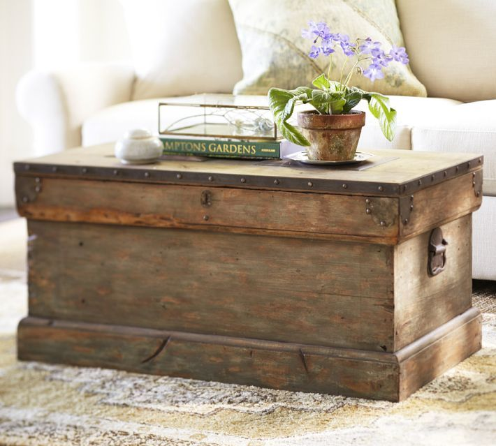 trunk coffee table diy pottery barn inspired trunk UOYIYBL