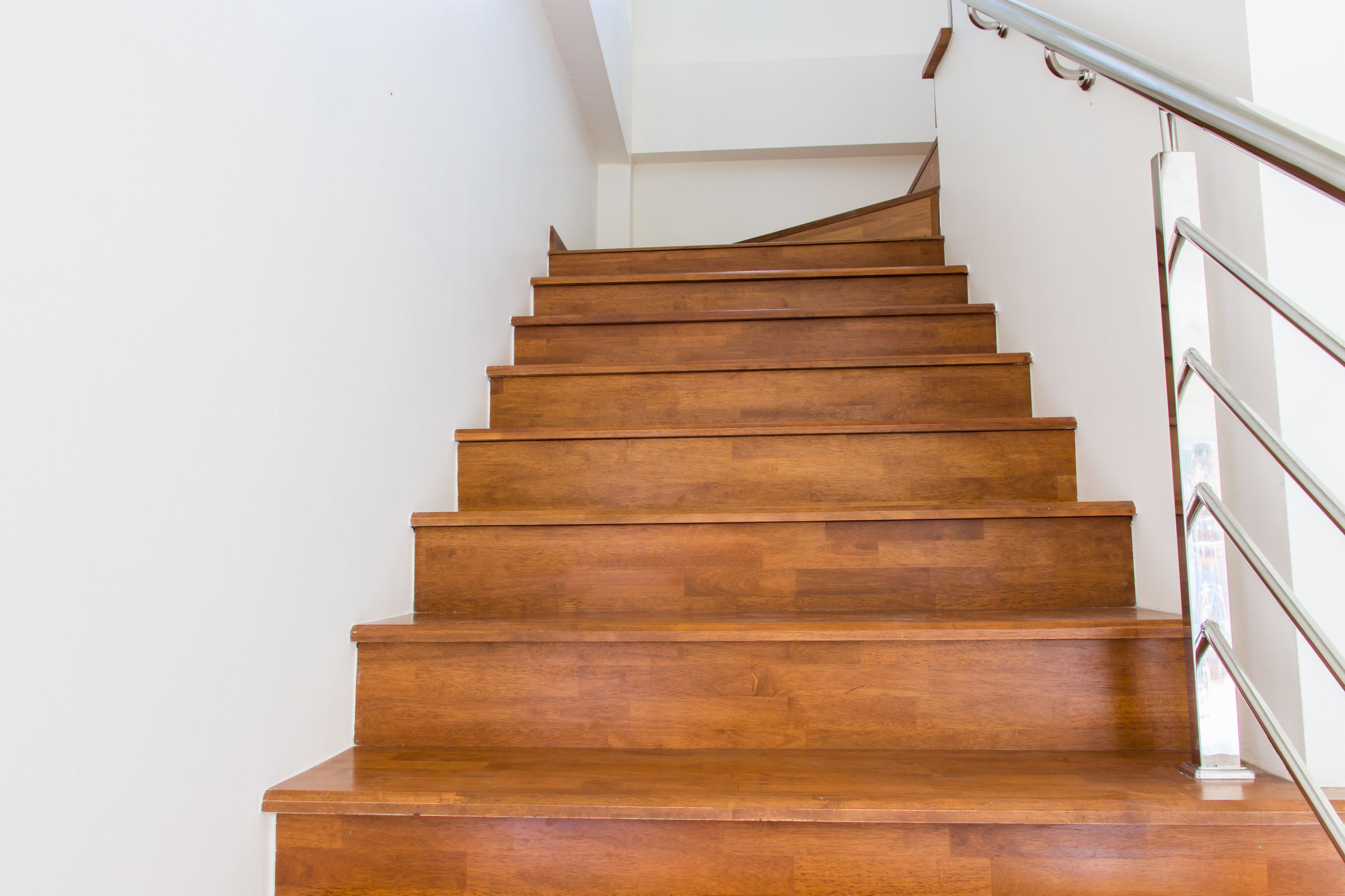 Laminate Flooring On Stairs Why laminate flooring on stairs is essential for home?