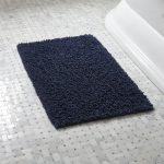 Using tips for buying bathroom rug