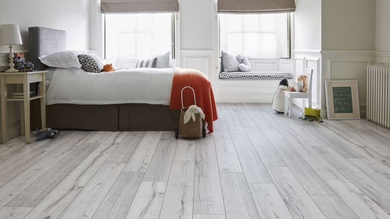 best laminate flooring todo alt text VYJUFAU
