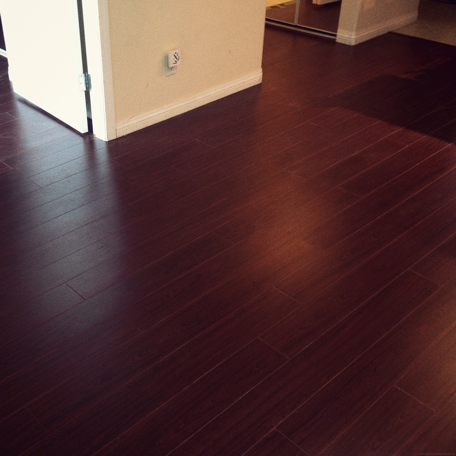 Cherry laminate flooring cherry wood laminate flooring laplounge wood laminate flooring - mountain  cherry ULFARFR