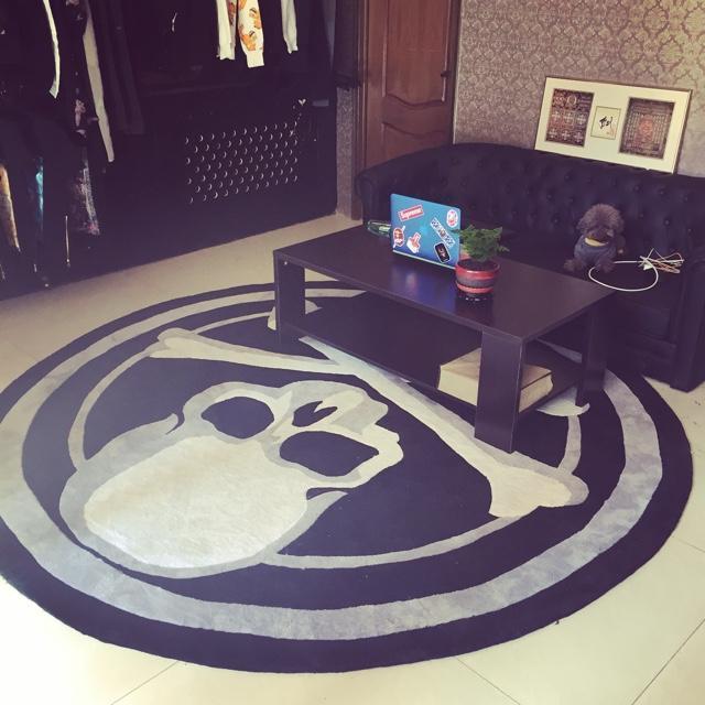 custom rug liilesy floor mat acrylic skull round carpet trend personality black and  white ABURNFL