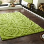 Advantages of green rugs