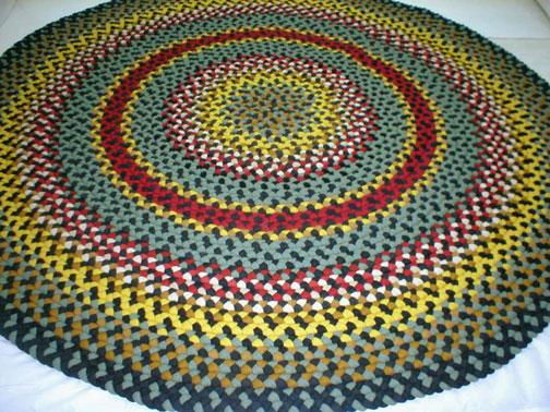 Handmade woven rugs 8u0027 roundbraided rug YBYYFUT