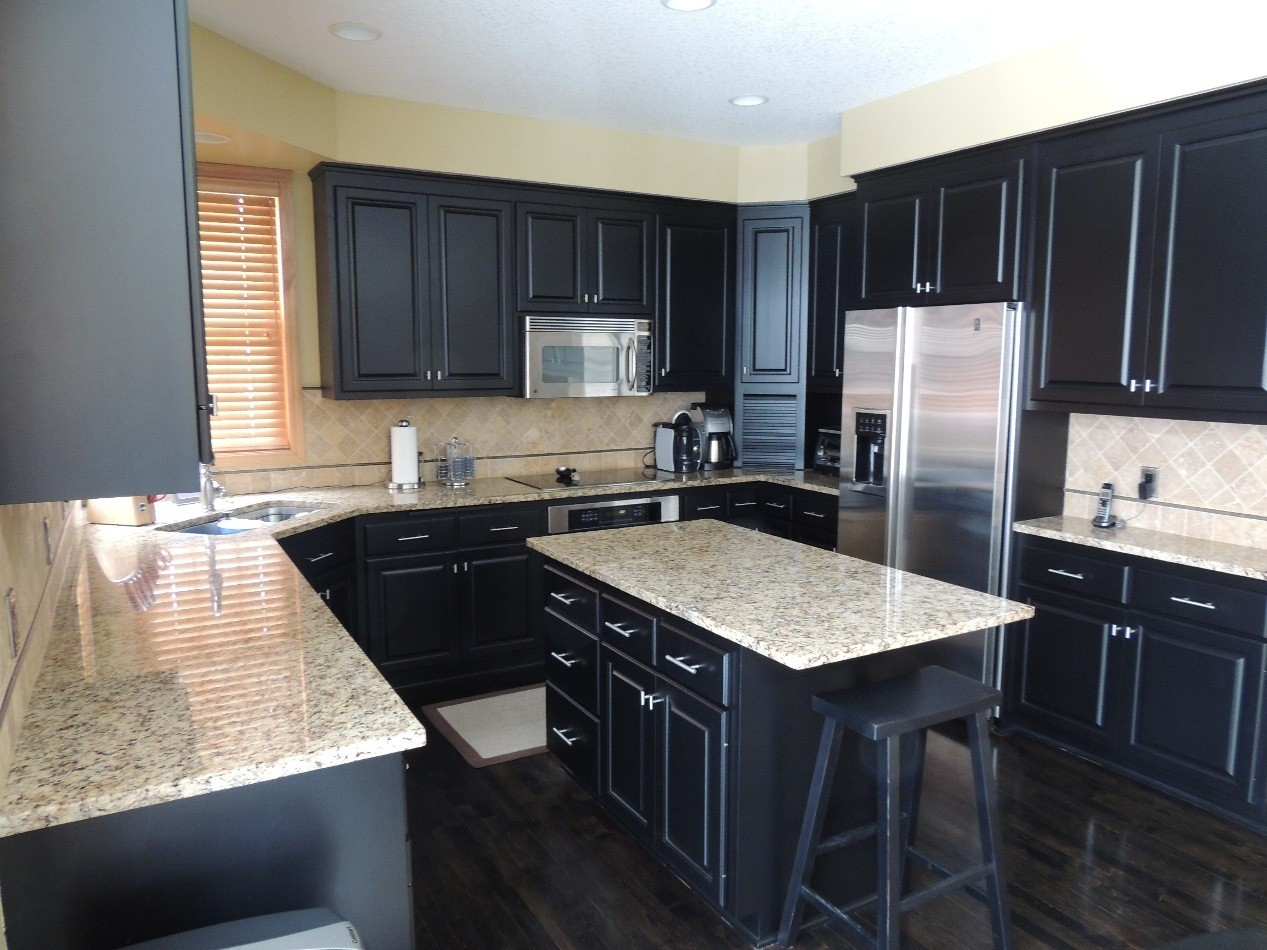 laminate flooring kitchen cabinets laminate flooring kitchen dark cabinets amazing tile for proportions 1267 x  950 HWOBMVA