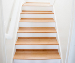 laminate flooring on stairs vital tips to select and choose the laminate flooring for stairs CNGNEHR