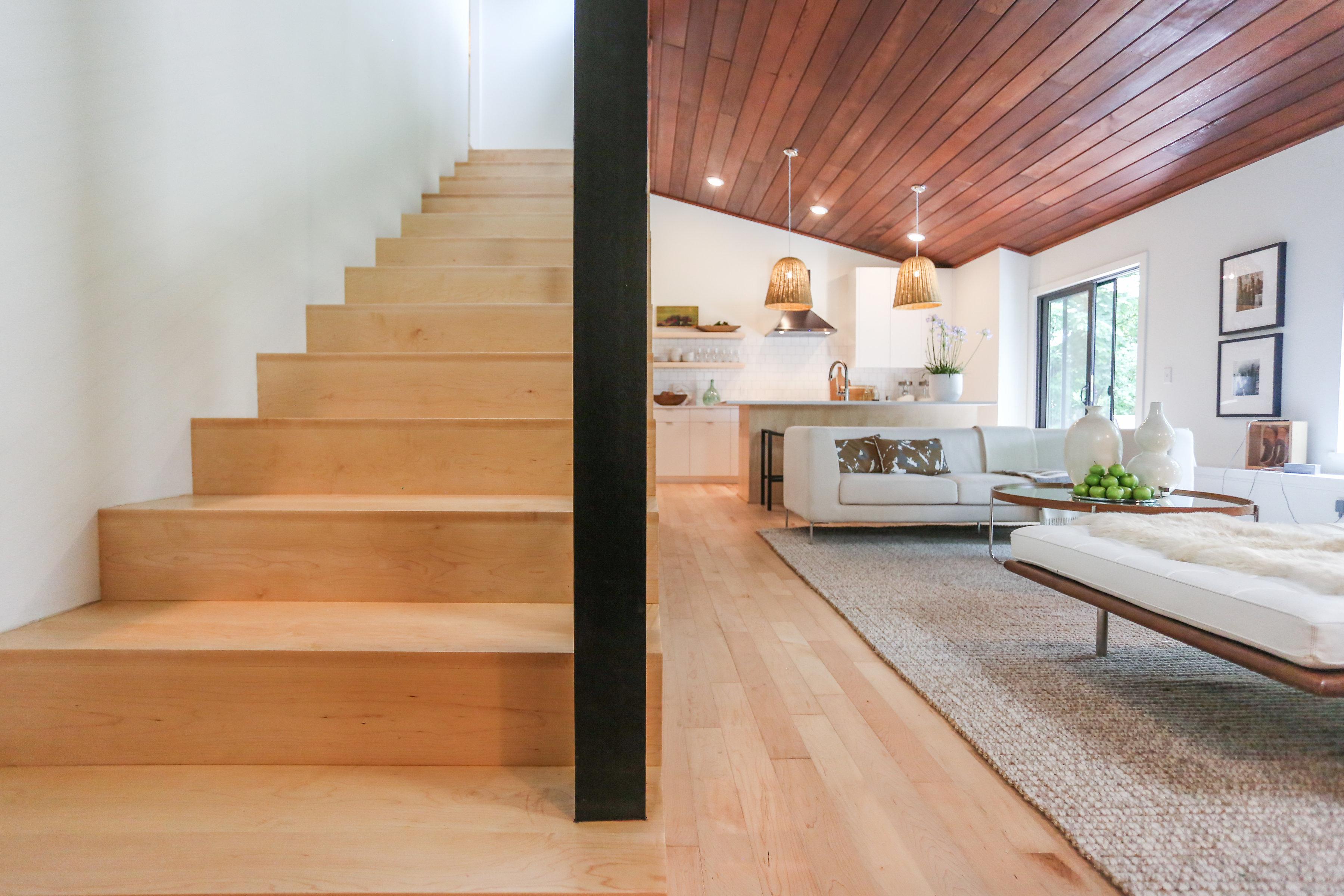 maple hardwood floor choosing between maple and oak hardwood floors | unique wood floors MBUGEQN