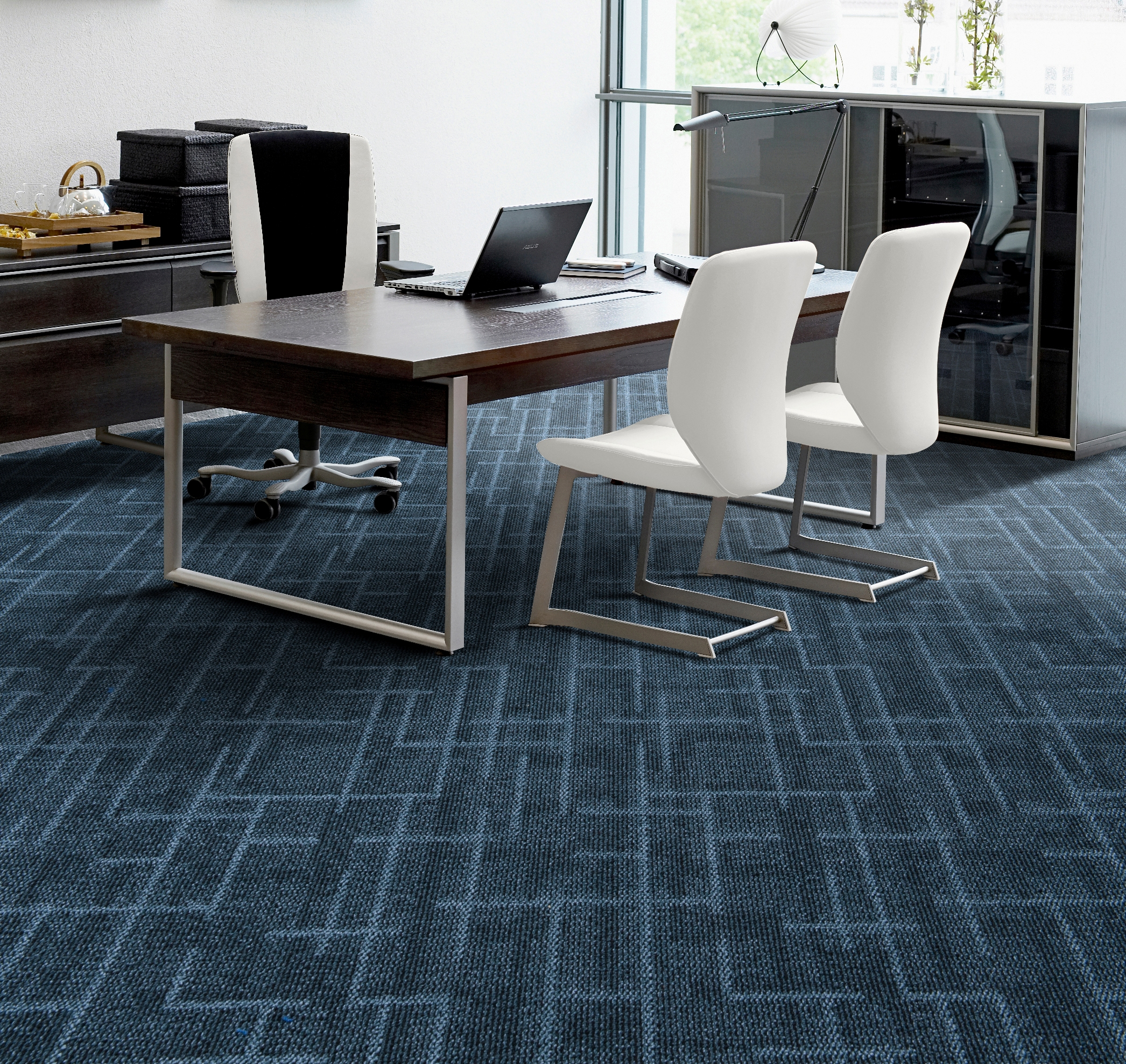 Things to consider while selecting an office carpet