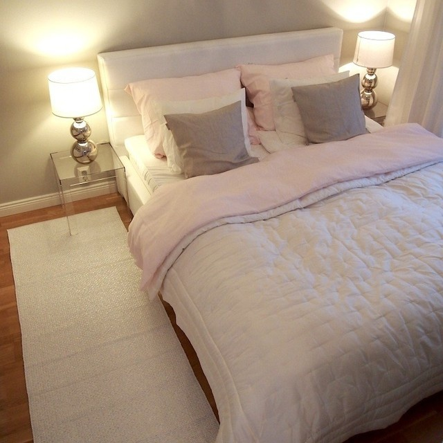 runner rugs beside bed like the side bed rugs TRDZCVH