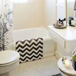small rug in bathrooms black