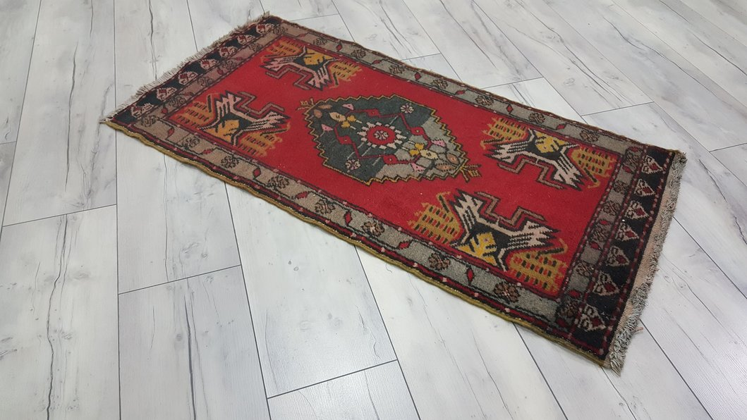 small rugs vintage small rug kirmizi PUNNOKI