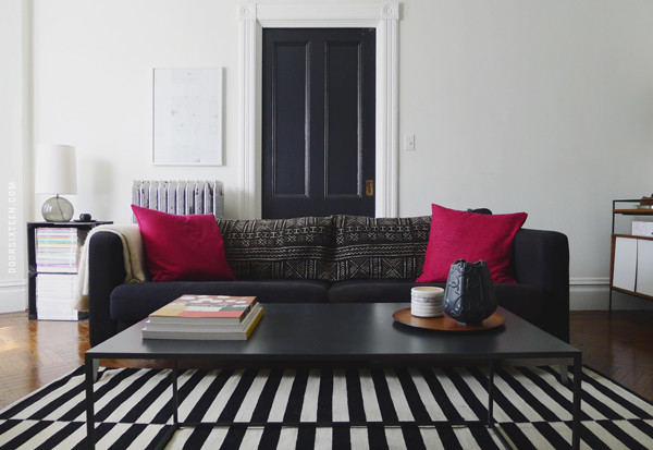 Tip Of The Week: Black and White Striped Rugs | Décor Aid