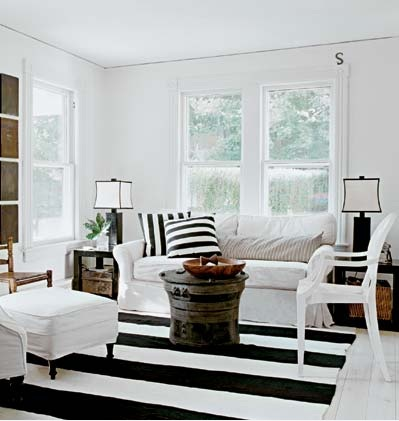 Black and White Striped Rug - Cottage - living room - Schappacher White
