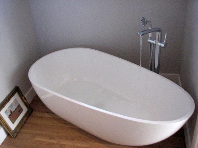 Large Freestanding Bathtub - Model BW-01-XL | Badeloft USA