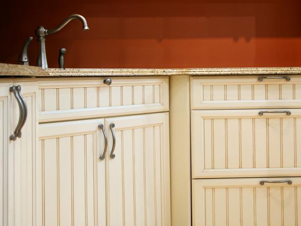 Kitchen Cabinet Door Handles and Knobs: Pictures, Options, Tips
