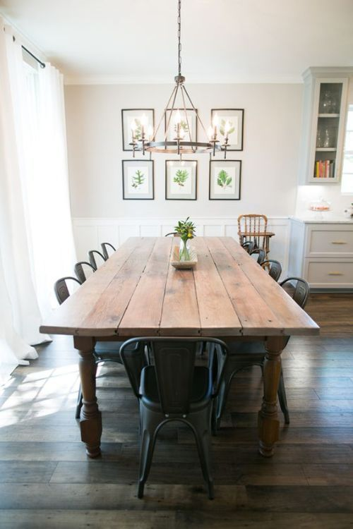 You don't have to have a large family to love these farmhouse style