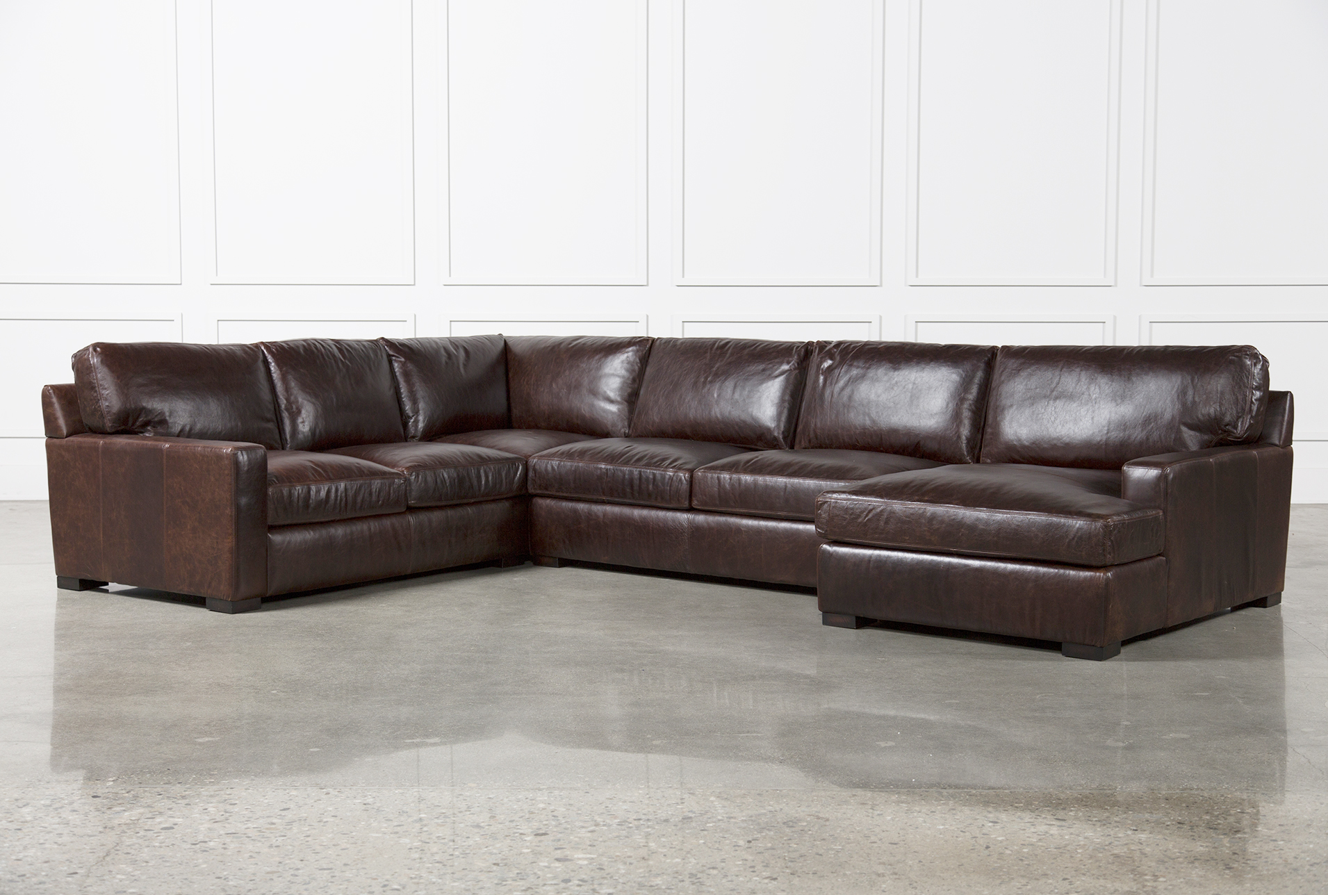 Gordon 3 Piece Sectional W/Raf Chaise | Living Spaces