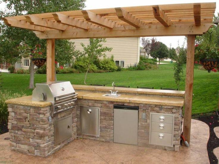 Small Outdoor Kitchen | Outdoor kitchens | Backyard Kitchen
