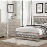 Queen Bedroom Set: Provides Feeling Of A   Queen