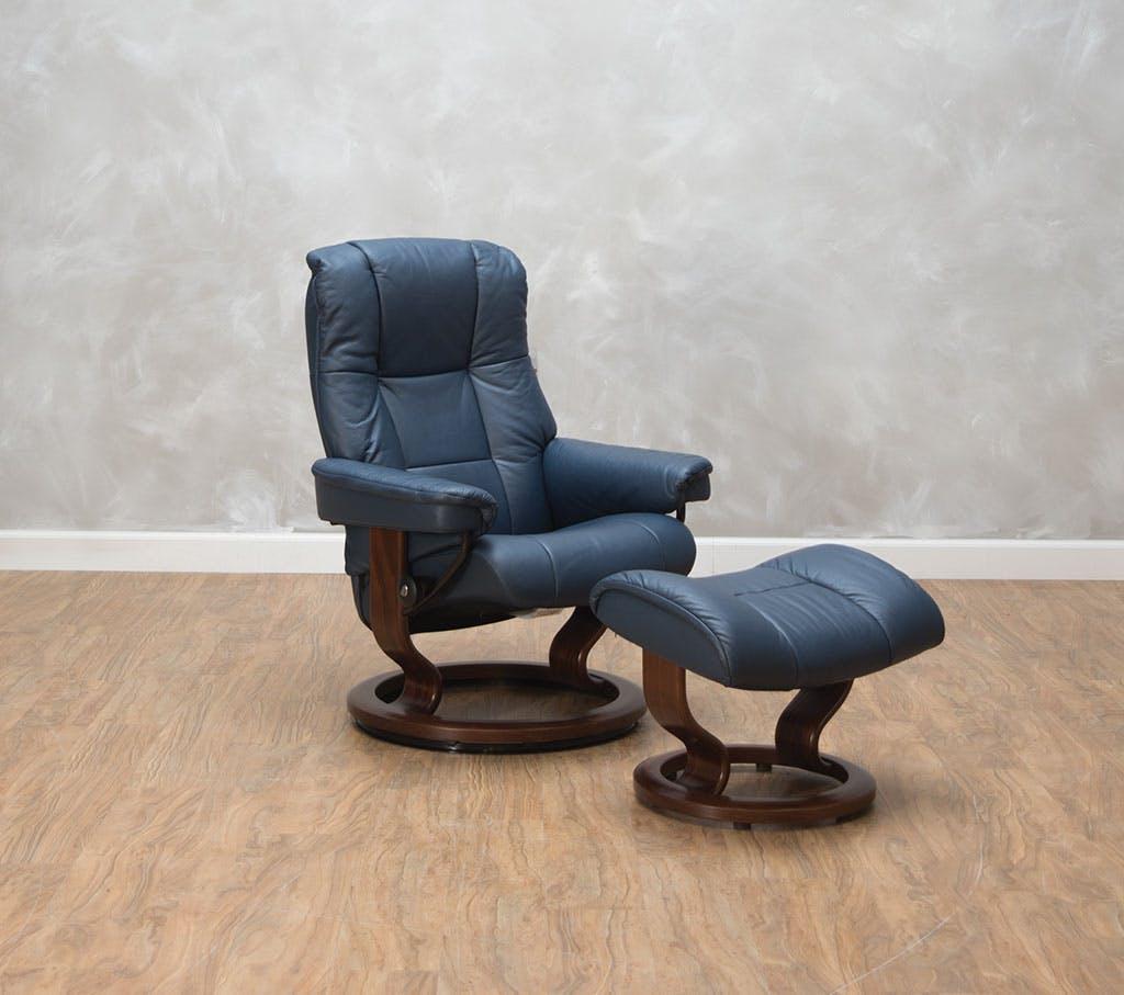 Stressless by Ekornes Living Room Mayfair Small Chair & Ottoman