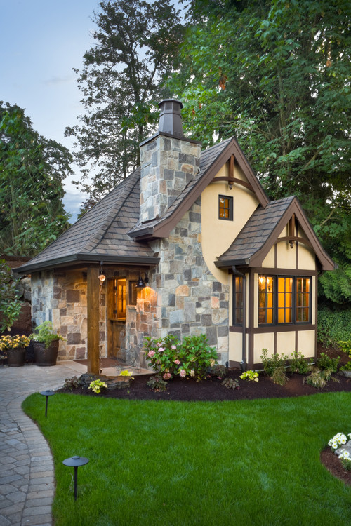 Small Home Designs (21st Century Homeowners Trend)