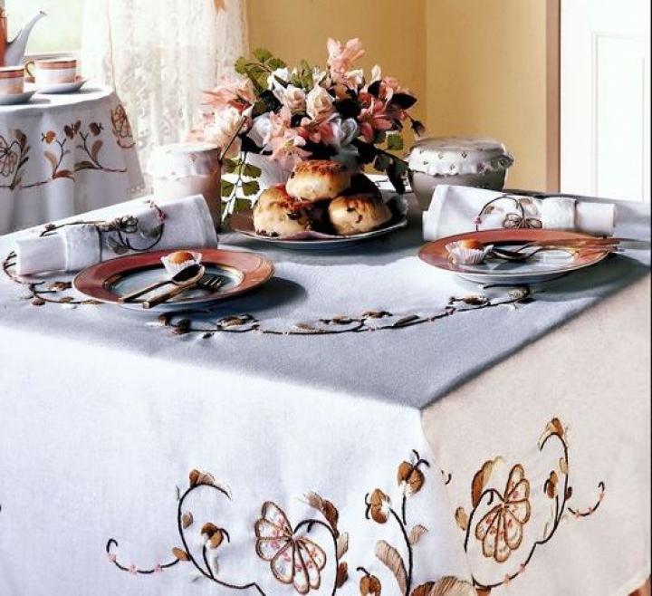 How to: table cloth linens tablecloth care   The Old Farmer's Almanac