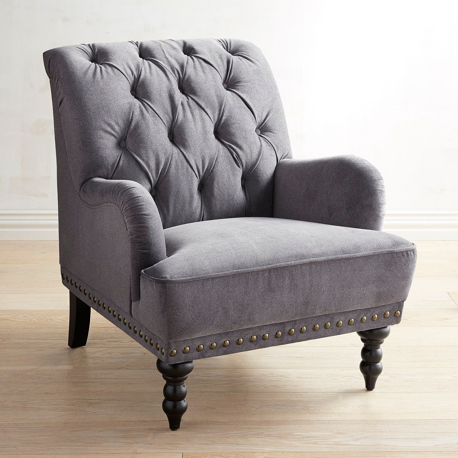 Velvet armchair and its benefits