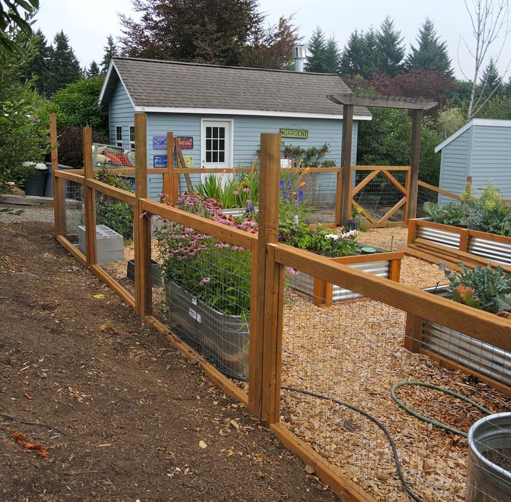 10+ garden fence ideas that truly creative, inspiring, and low-cost JNRBXHZ