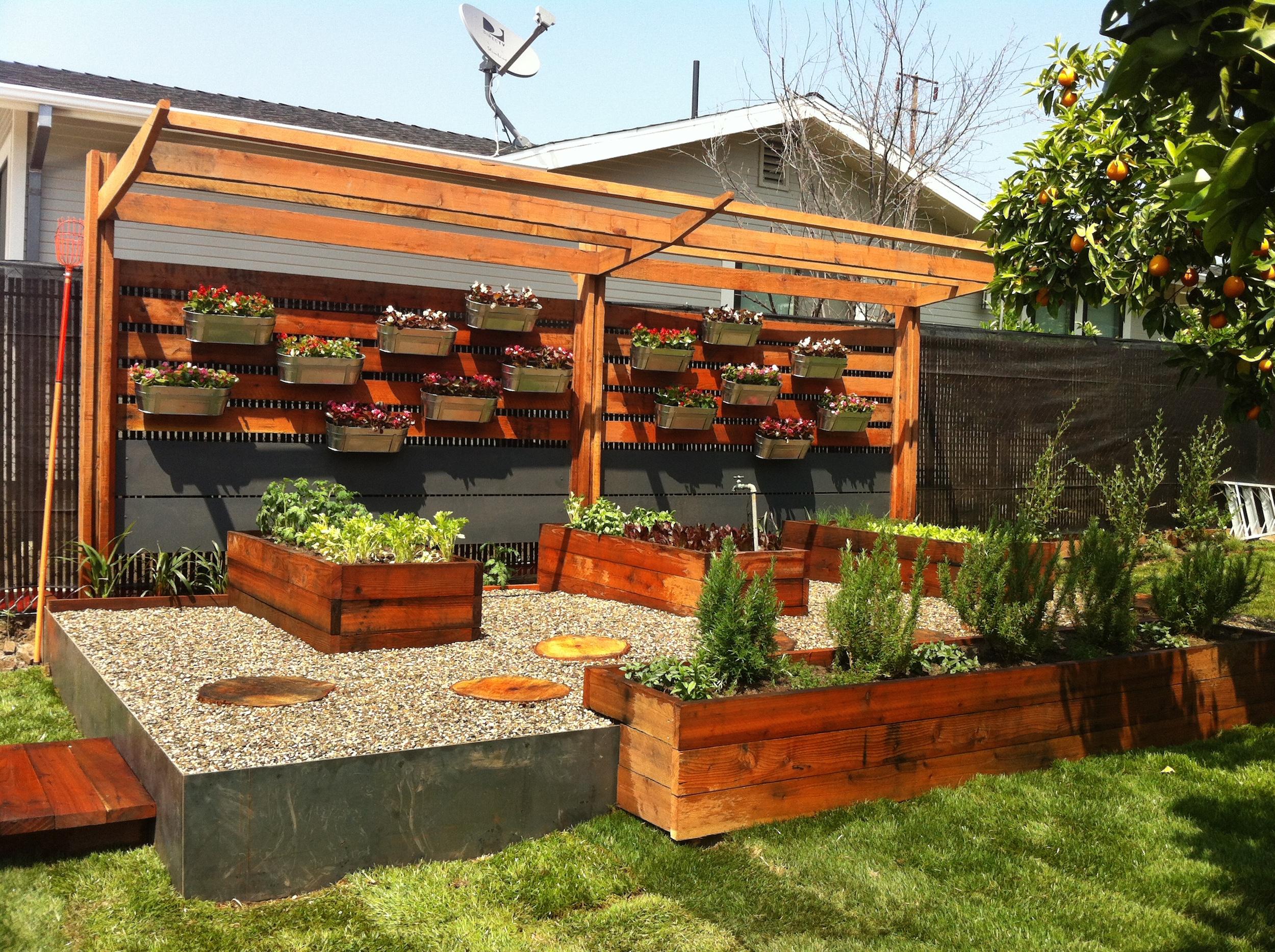 17 low maintenance landscaping ideas - chris and peyton lambton backyard  design tips VFQJNTY