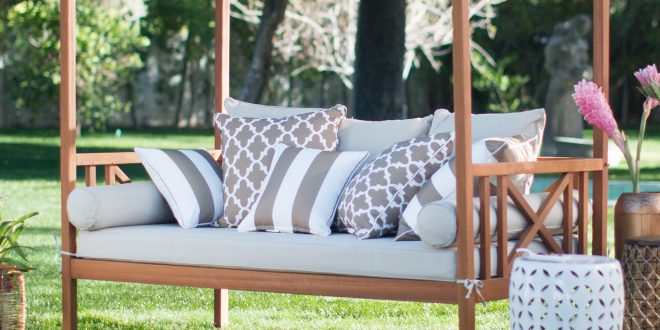 The benefits of outdoor day beds - yonohomedesign.com on Belham Living Brighton Outdoor Daybed id=58838